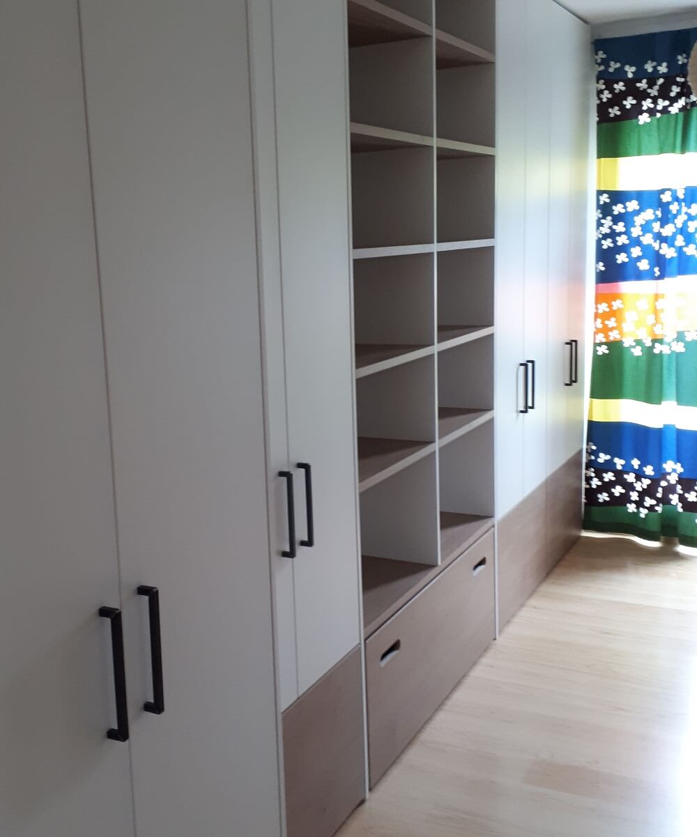 Individuelle Schrank Regal Kombination Fur Ein Kinderzimmer